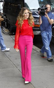 You don't need to be as daring as Jessica Parker to wear the color blocking trend.